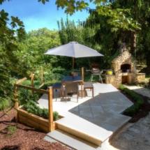 villa-la-peyriere-patio